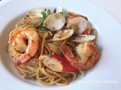 Black Pepper Seafood Pasta by Angela Seah Thulin