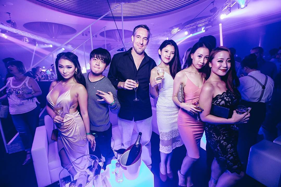 swingers clubs in singapore