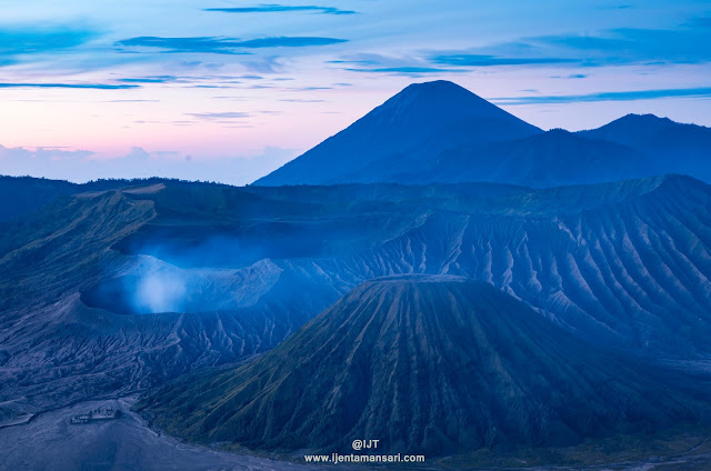 Enjoy you'r holidays and trip to java visit to Mt Bromo - Ijen Tours 3D2N, 2D1N. Mt Ijen - Bromo 3D2N, 2D1N.