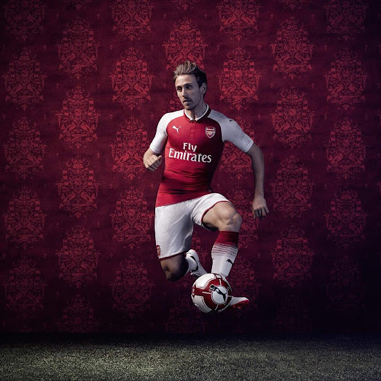 a6e094bbe19 The Arsenal 17-18 shirt was officially launched on June 21.
