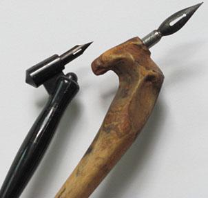 Gurney Journey: Oblique Pen Holder