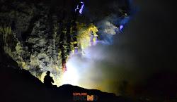 Fenomena Bluefire di Kawah Ijen Bondowoso
