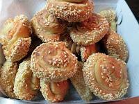 Τυρορολάκια σουσαμένια, με τυρί κρέμα, πεντανόστιμα!!! - by https://syntages-faghtwn.blogspot.gr
