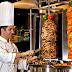 مطلوب موظف بسطة شاورما للعمل براتب ما بين 300 - 320 للعمل لدى مطعم في الصويفية