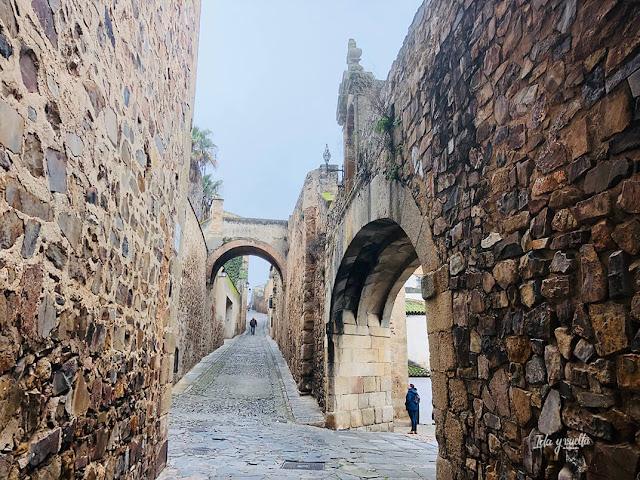 Calles centro histórico y Arco de la Estrella