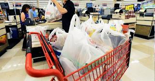 H νέα απάτη με τις πλαστικές σακούλες στην Ελλάδα