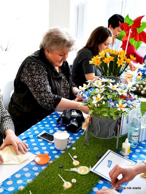 pojemniczek z papieru, reczna robota, kwiatki z papieru, origami, warsztaty, rekodzielo, prace reczne, ozdoby z papieru, papier, wiosna