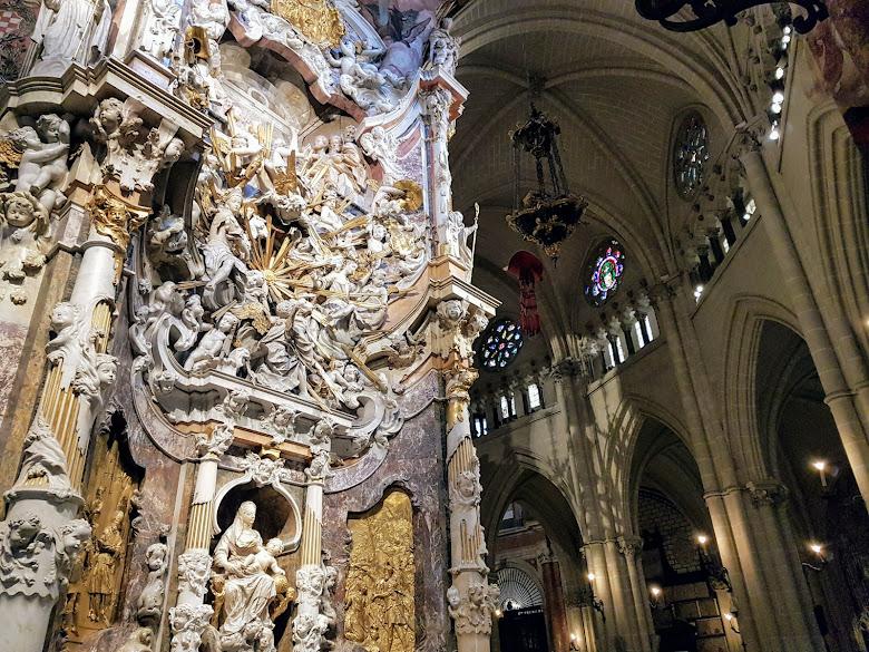 托萊多主教座堂內部景