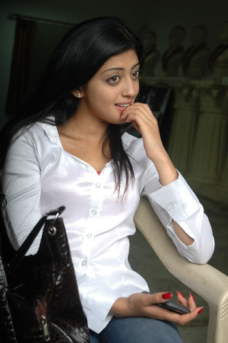 praneetha the girl in white shirtjeans unseen pics