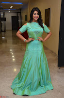 Pooja Jhaveri in Beautiful Green Dress at Kalamandir Foundation 7th anniversary Celebrations ~  Actress Galleries 042.JPG