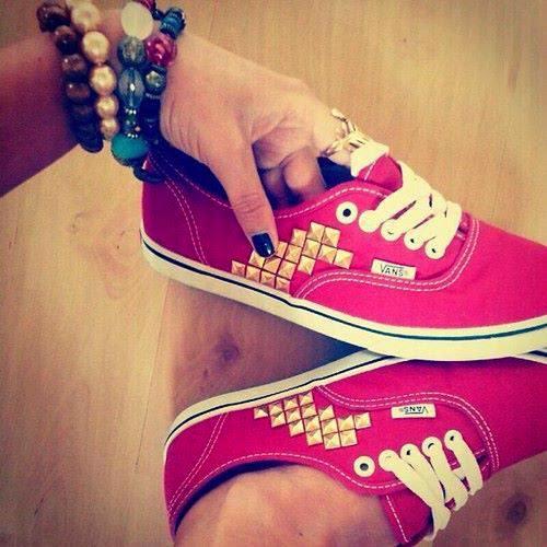 حذاء احمر فلات