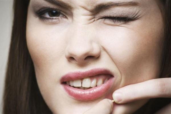16 Penyebab Jerawat yang Harus Dihindari