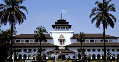 Berbagai Fakta Mengenai Gedung Sate di Bandung