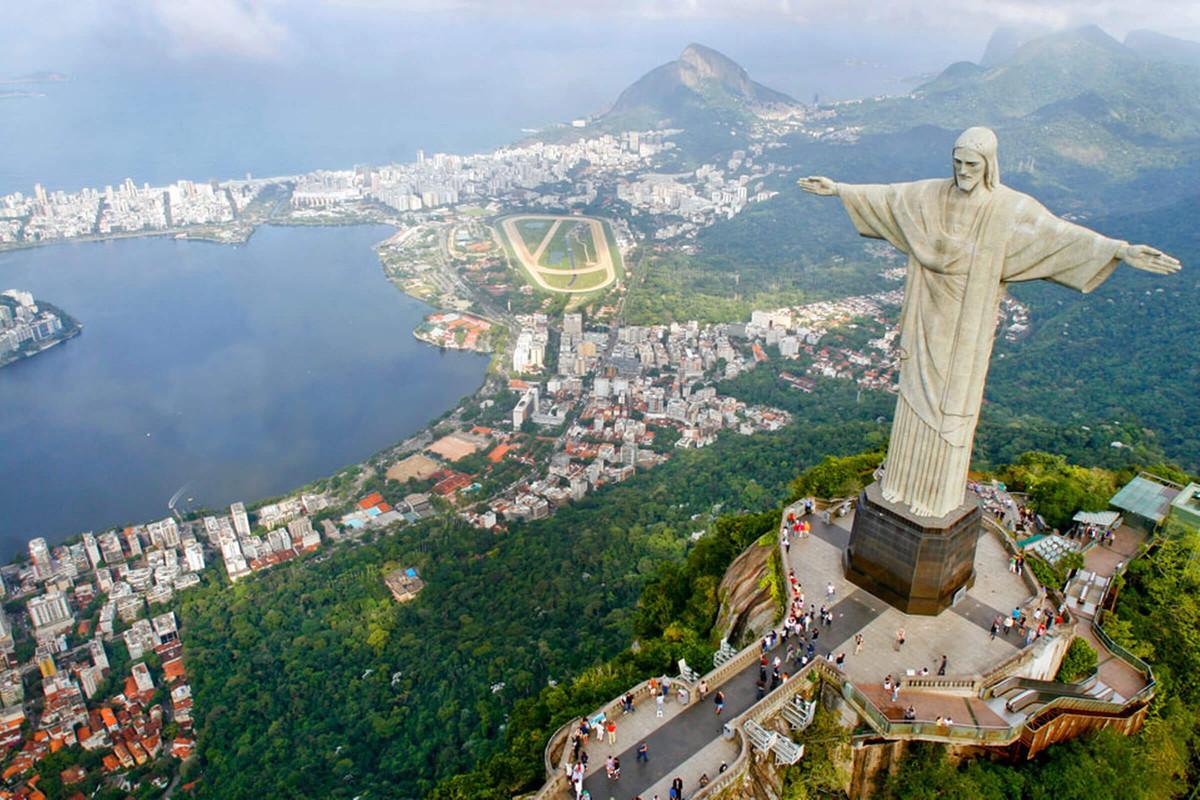 единственный статуя христа церетели фото что относится