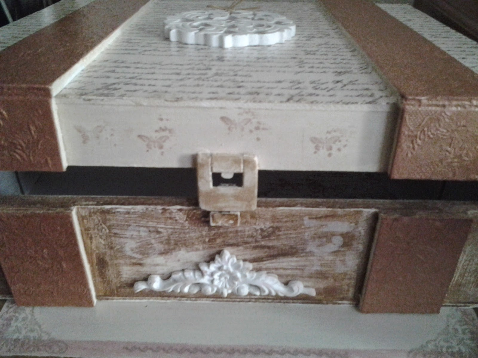 caja de vino decorada