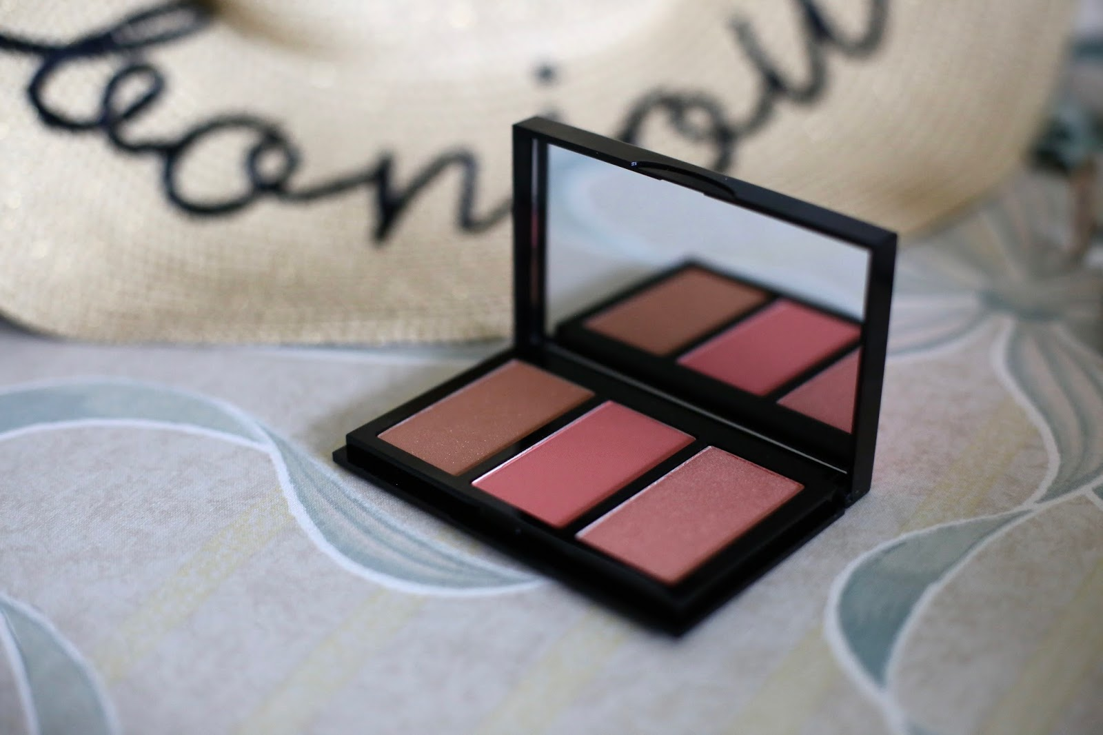 Bobbi brown illuminating cheek palette