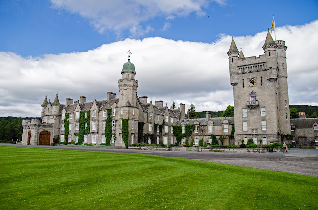 Location di the Crown: Balmoral Castle