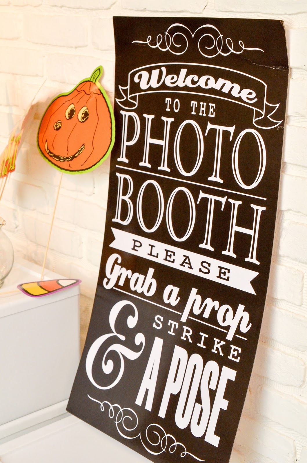Photobooth sign~anartfulmom.com