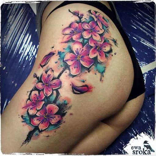 Este elegante nádega tatuagem