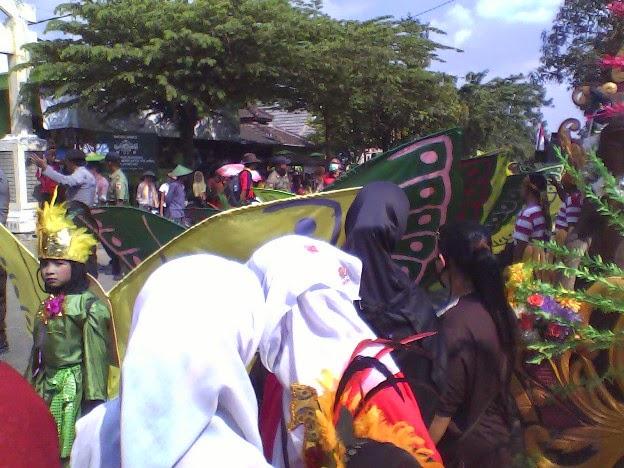 masih SDN Tingkis pada festival karnaval Singgahan Tuban