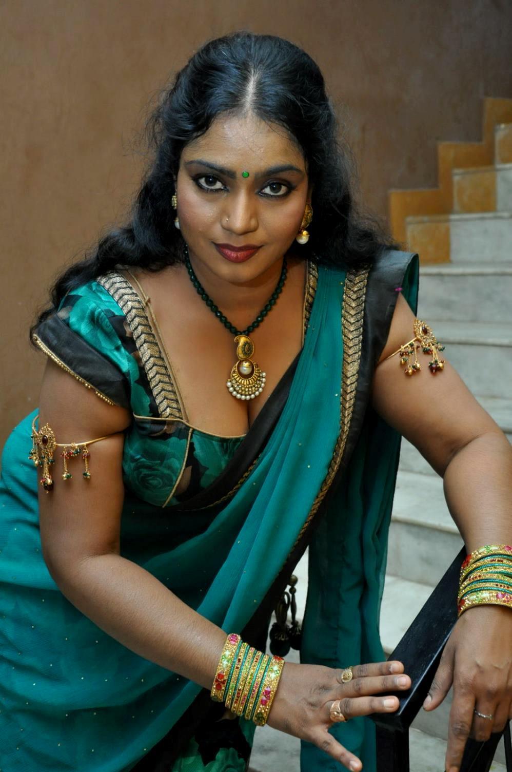 Telugu Supporting Actress Jayavani Hot Photos Stills Gallery Jayavani Hot In Saree Mallu Masala Actress Jayavani Hot Pictures