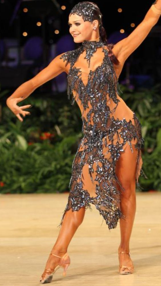 Female Salsa Dancers Nude