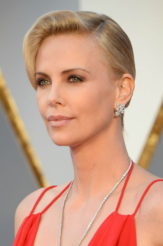Charlize-Theron-Academy-Awards-Makeup