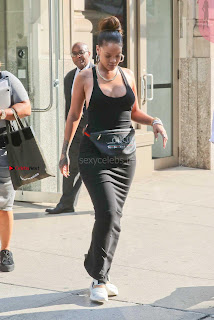 Rihanna-255+%7E+SexyCelebs.in+Exclusive.jpg