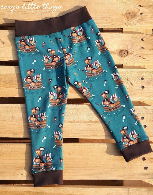 Mr. Sleep and its pirate friends pyjama pants