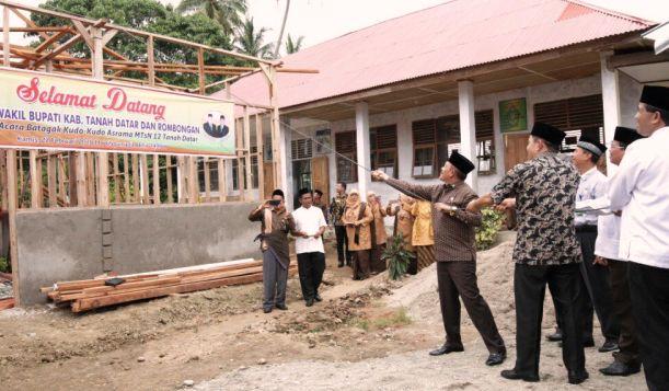 Batagak Kudo-Kudo Tradisi Membangun di Minang