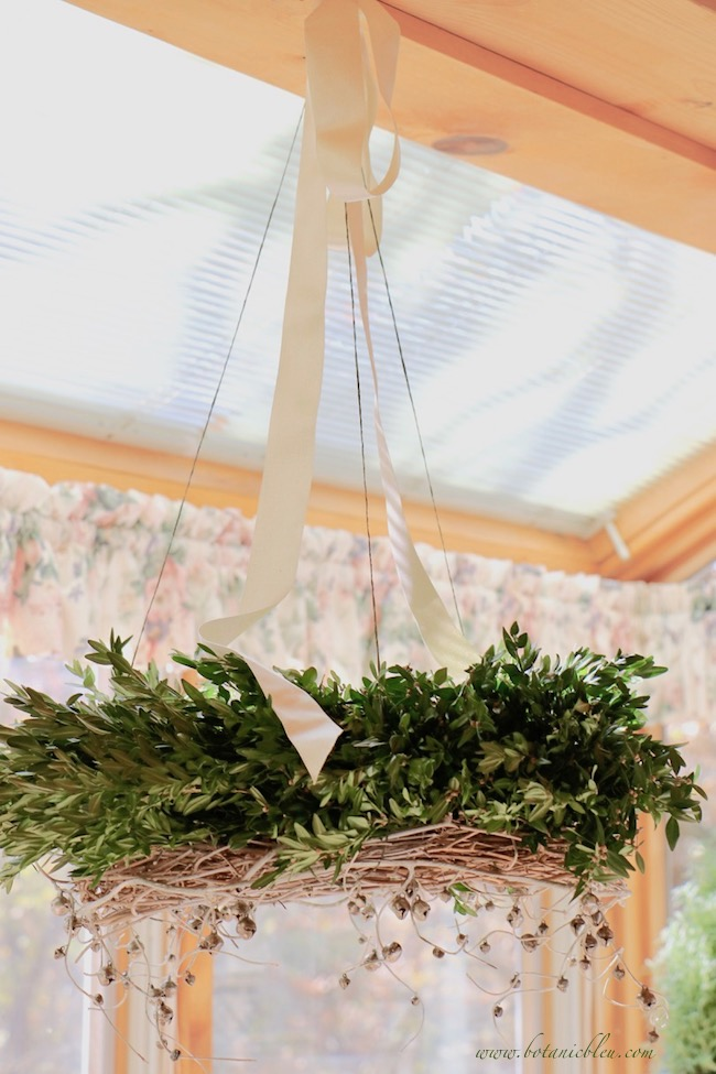 diy-christmas-horizontal-wreath