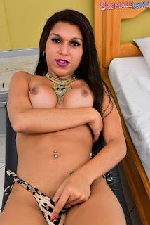 Bya Mello
