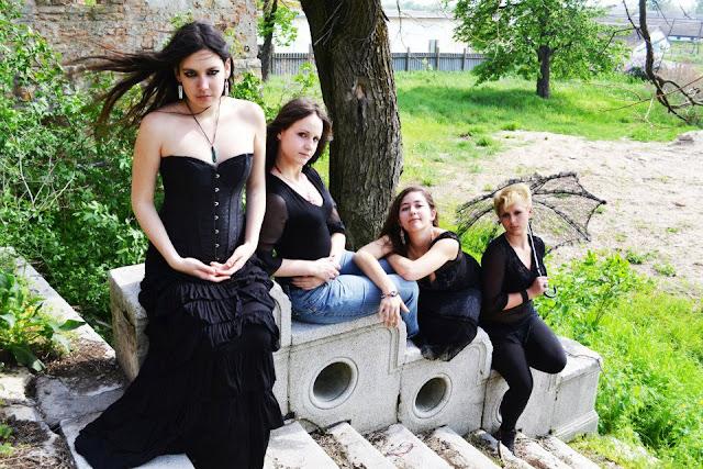 victorian gothic ladies