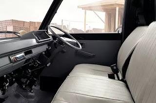 ruang kabin mitsubishi L300 yang lega dan nyaman