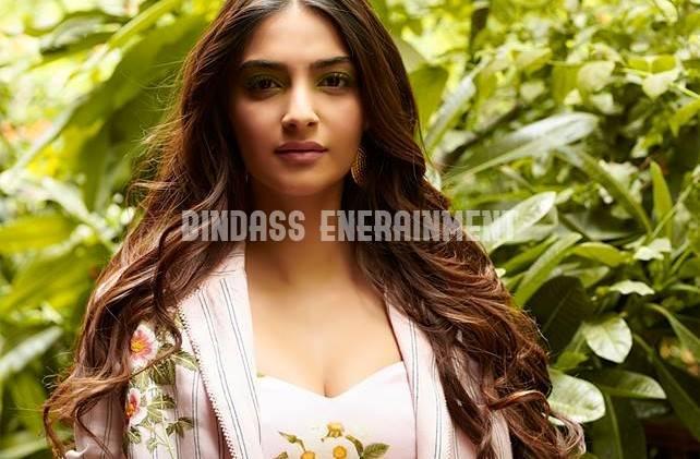 sonam Kapoor 12