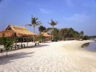 Tempat Santai di Pantai Madasari Pangandaran