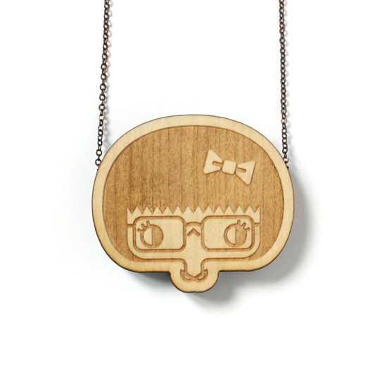http://www.lesfollesmarquises.com/product/pendentif-bois-massif-esther