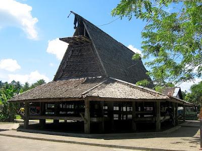 Rumah Adat Sasadu , Rumah adat Maluku Utara