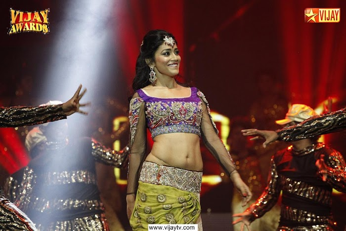 Actress Shreya saran most dazzling Dance perfoming Pictures