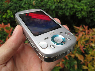 Hape Jadul Sony Ericsson W20 Zylo Walkman Phone Seken Kolektor Item