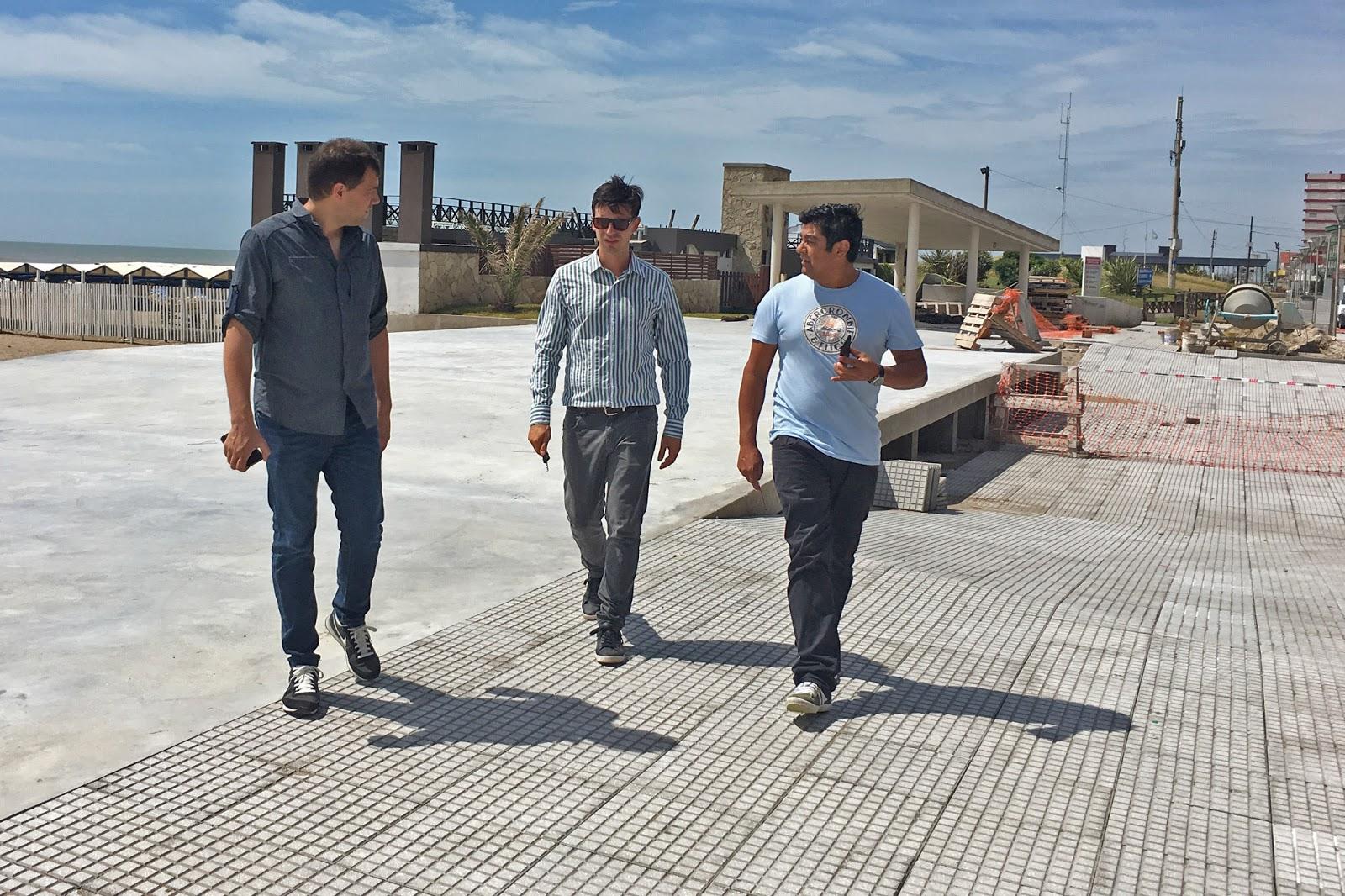 Ltimos trabajos en la construcci n de la nueva oficina de for Oficina de turismo tossa de mar