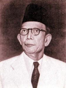 Di negara Indonesia kaya sekali tokoh nasional yang berhasil memperjuangkan kemakmuran r Biografi Ki Hajar Dewantara (Bapak Pendidikan Indonesia)