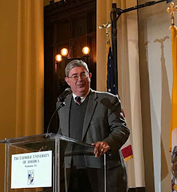 O historiador George Weigel aponta uma catástrofe como resultado da política vaticana de aproximação com o comunismo.
