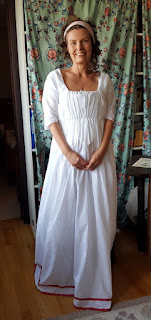 http://evashistoricalcostumes.blogspot.se/p/a-directoire-muslin-gown.html