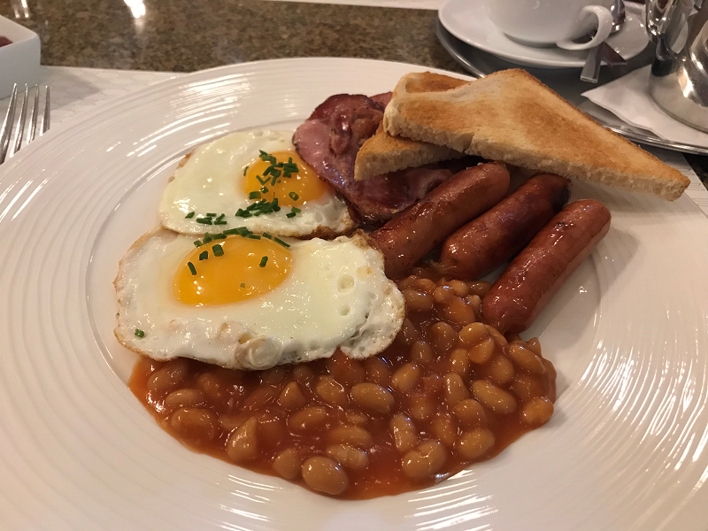 English breakfast at Cafe Imperial