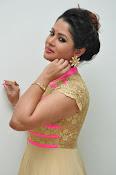 Shilpa Chakravarthy new glam pics-thumbnail-15