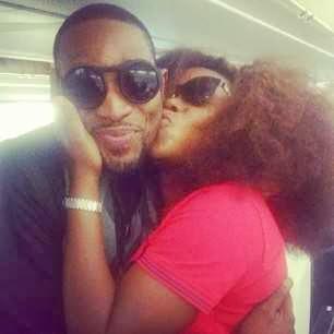 omawumi kissing dbanj