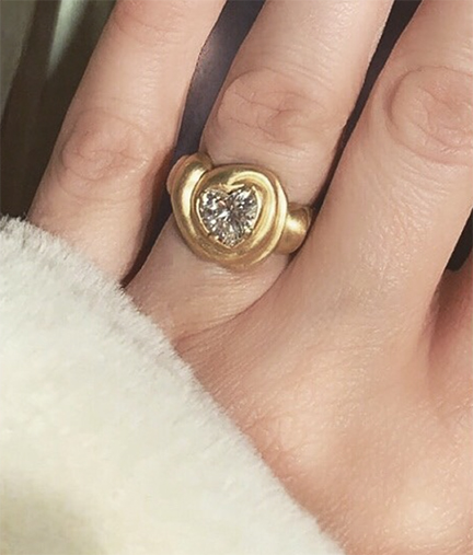 Gold heart engagement ring | gold, jewelry, vintage | Allegory of Vanity