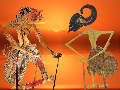 Gambar Cakil dan arjuna dalam perang Kembang