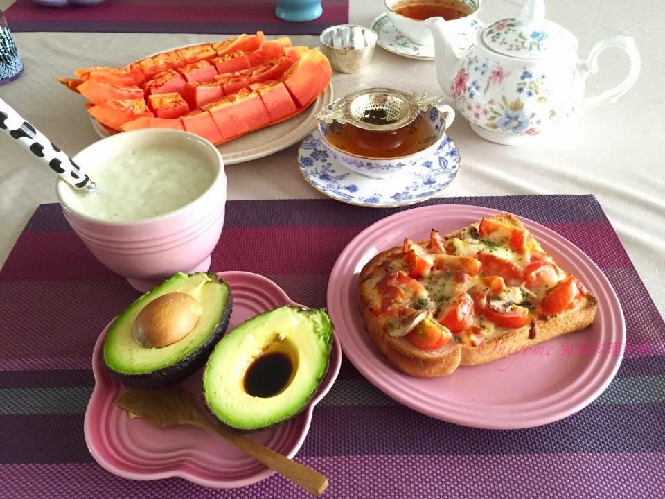 鬼嫁料理手帳: Pizza 包 ﹣ 簡易早午餐 (附食譜)